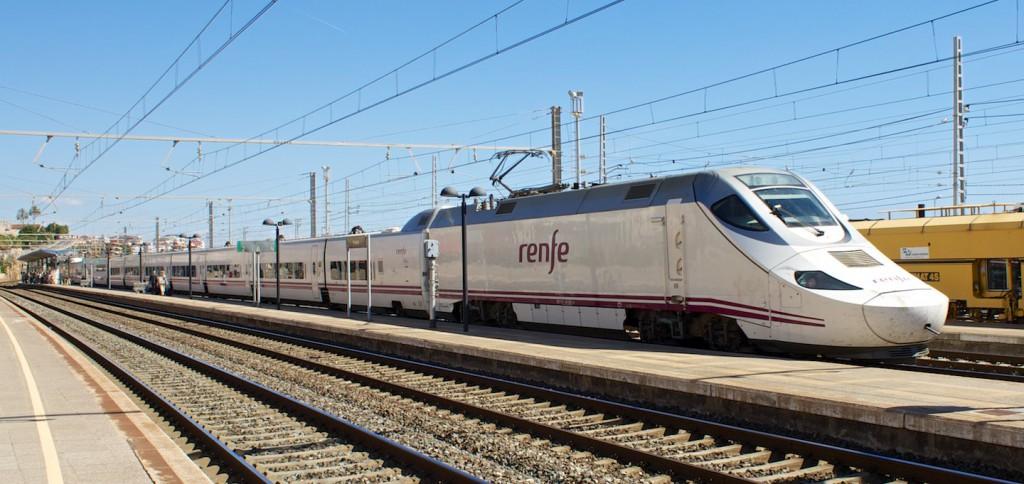 RENFE Baureihe 130 (Talgo 250) in Tarragona