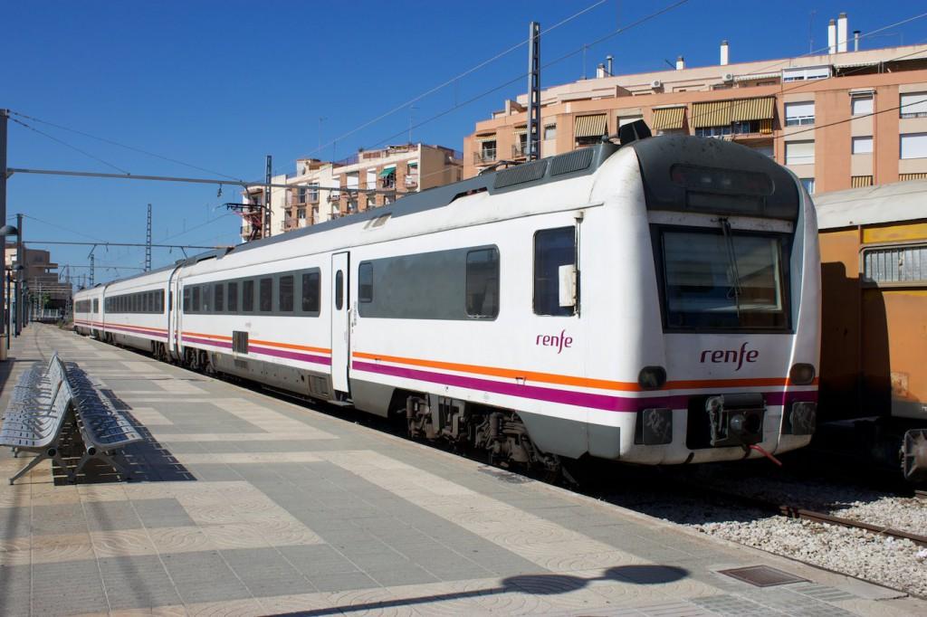 RENFE Baureihe 448 in Tarragona