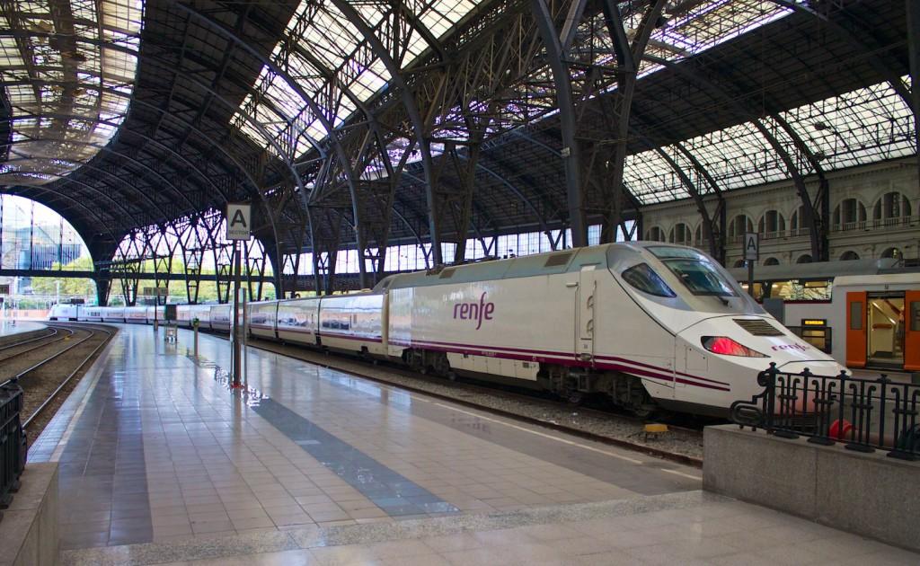 RENFE Baureihe 130 in Barcelona França