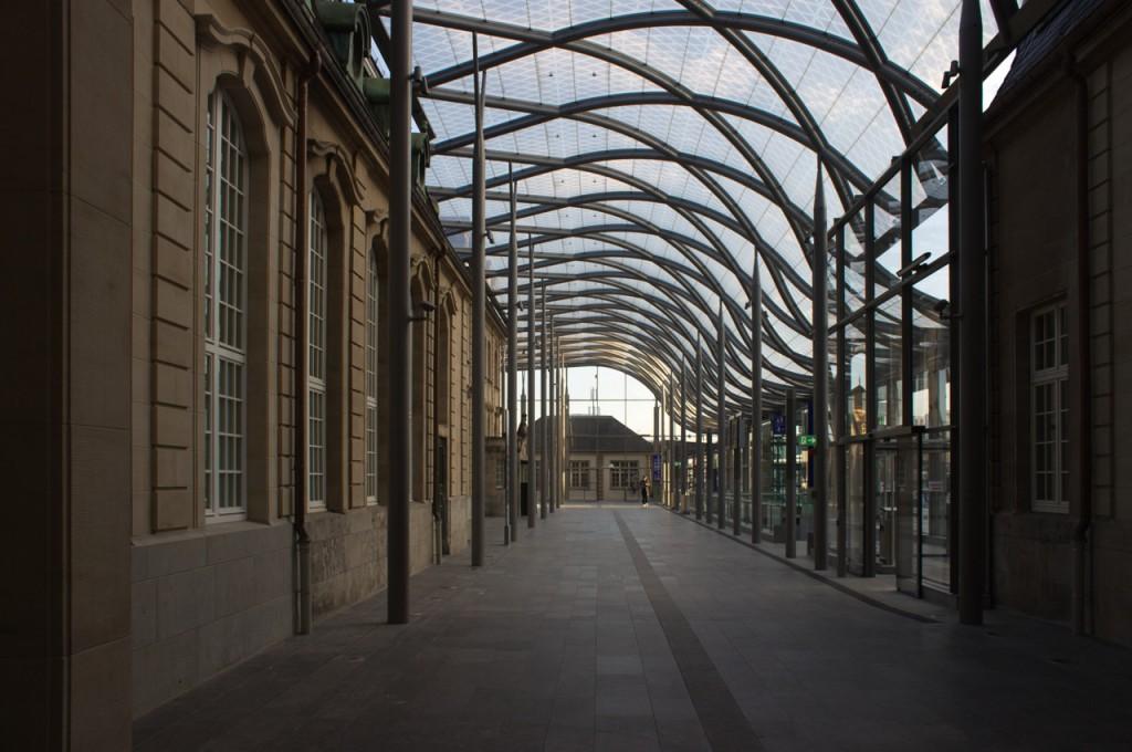 Luxemburg Bahnhof Glasvordach