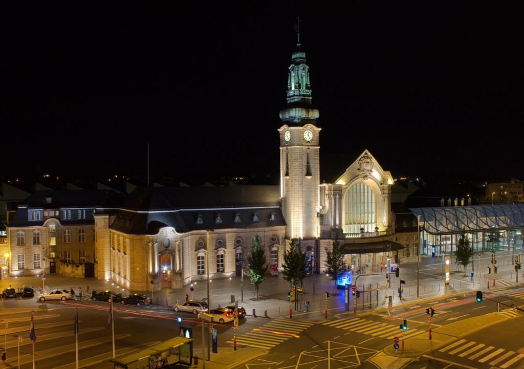 Luxemburg Bahnhof bei Nacht