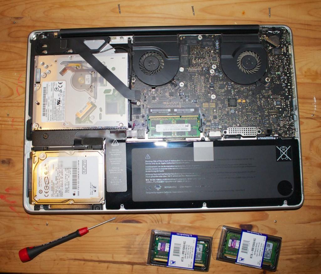 MacBook Pro Mitte 2010 von innen