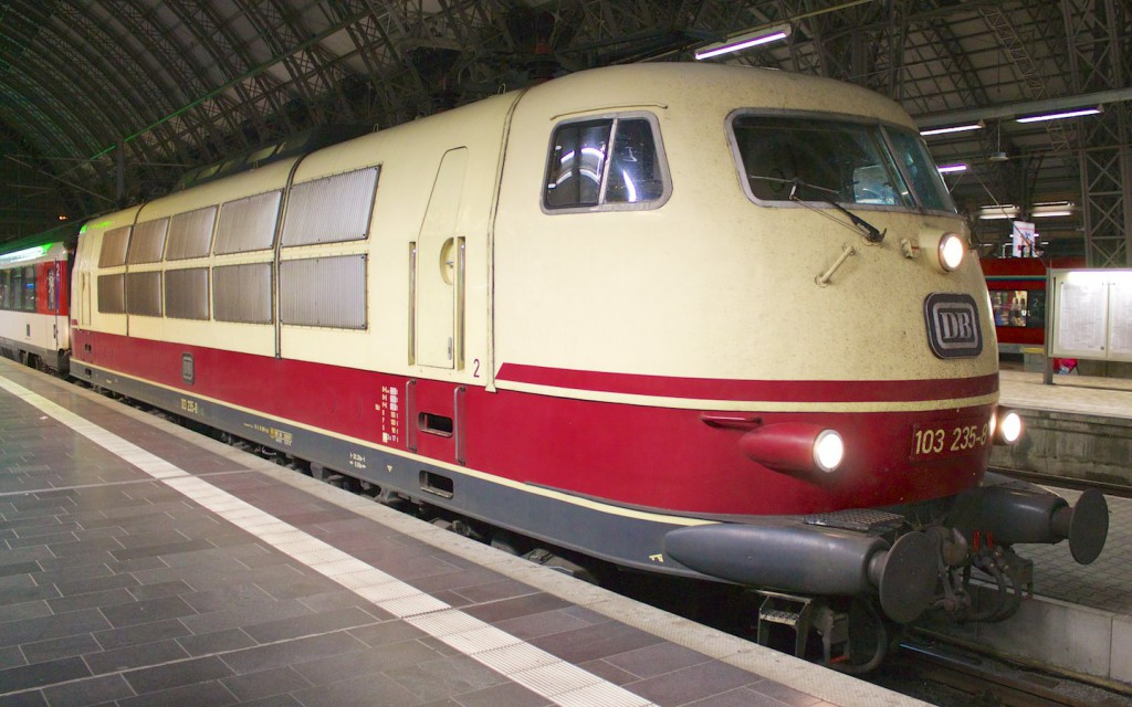 103 235 im Frankfurter Hauptbahnhif