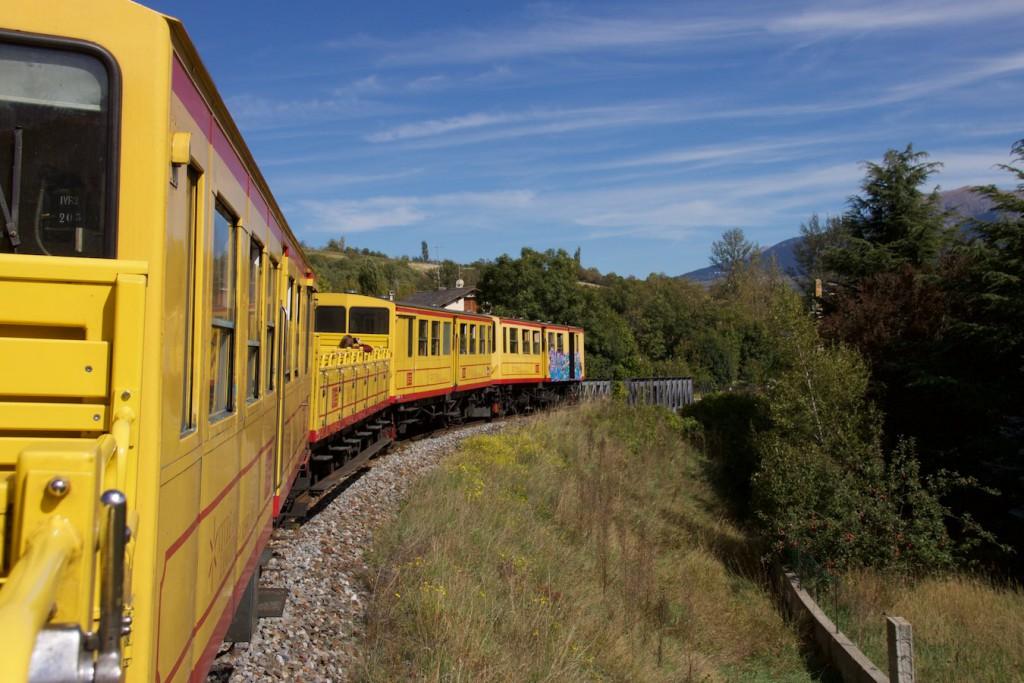 El tren groc kurz hinter La Tour de Carol
