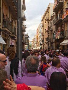 Marsch vom Lokal zum Plaça de la Font