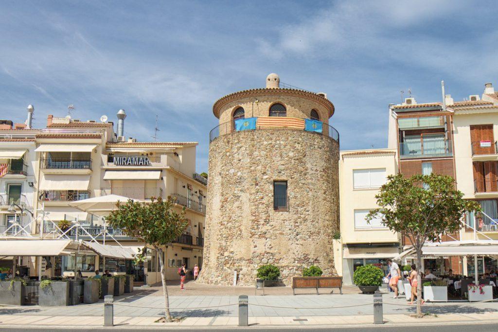 Turm am Hafen von Cambrils