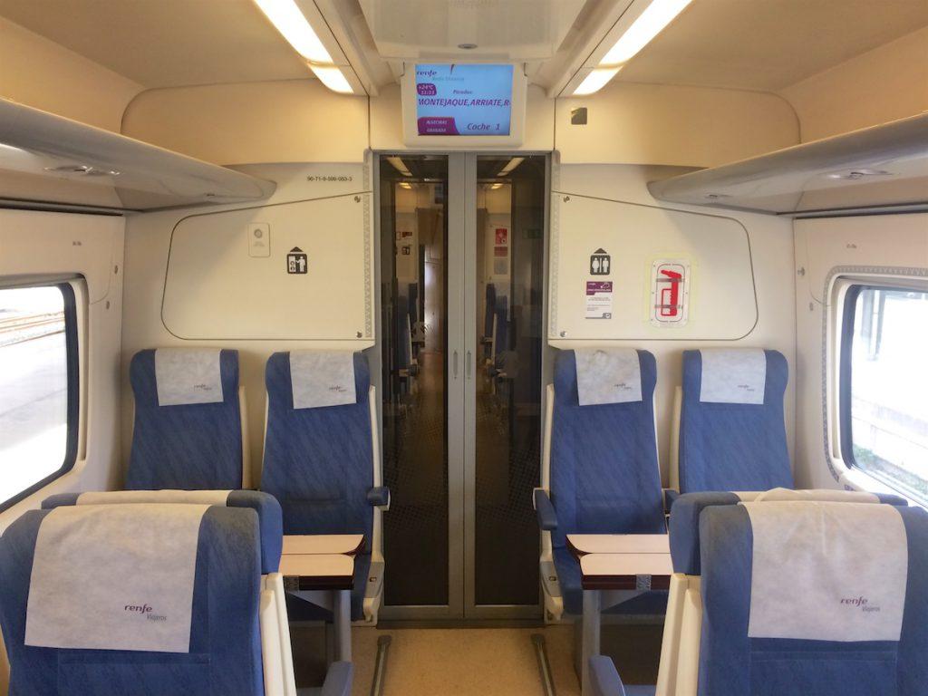 Fahrgastraum der RENFE Baureihe 599