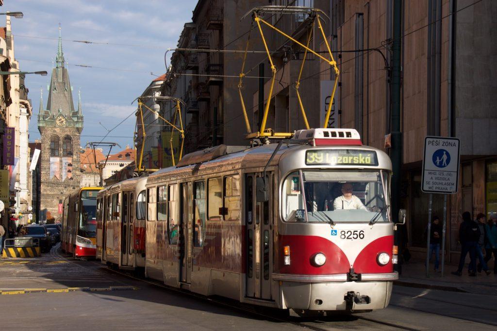 Tatra T3R.PLF auf dem Wenzelsplatz