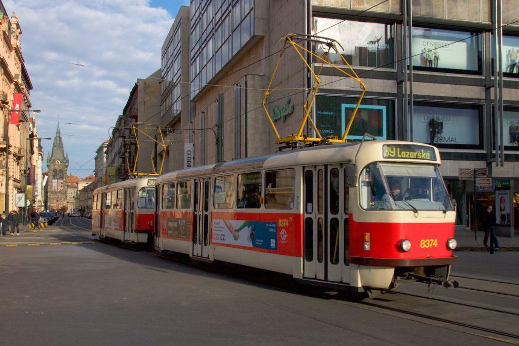 Tatra-Wagen auf dem Wenzelsplatz